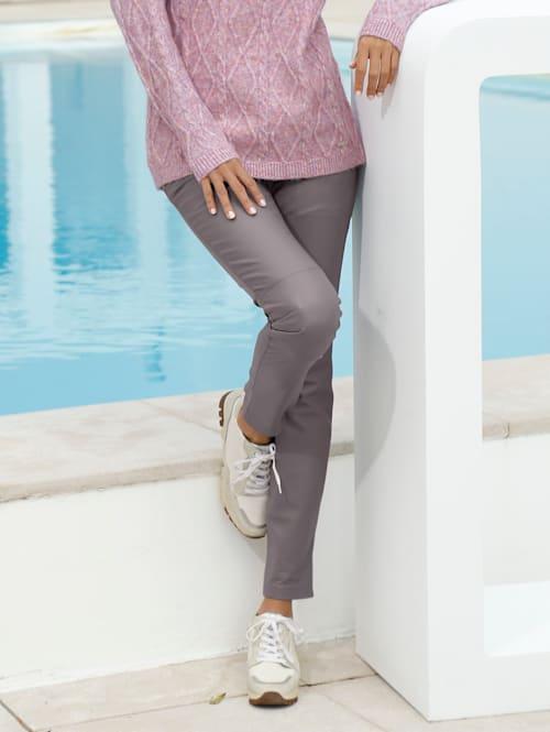 Leren broek in een modieuze kleur
