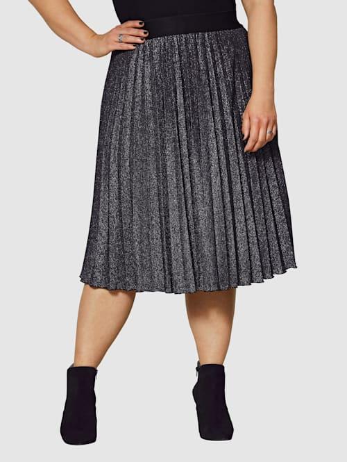 Plisserad kjol i glansigt material