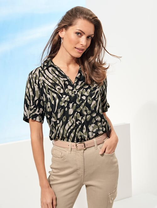 Blouse in an animal print