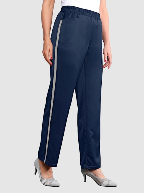Kalhoty s lesklým trendovým pásem po stranách