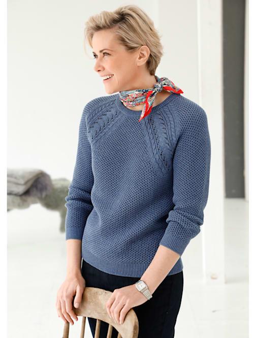 Pulovr ze strukturovaného pletení
