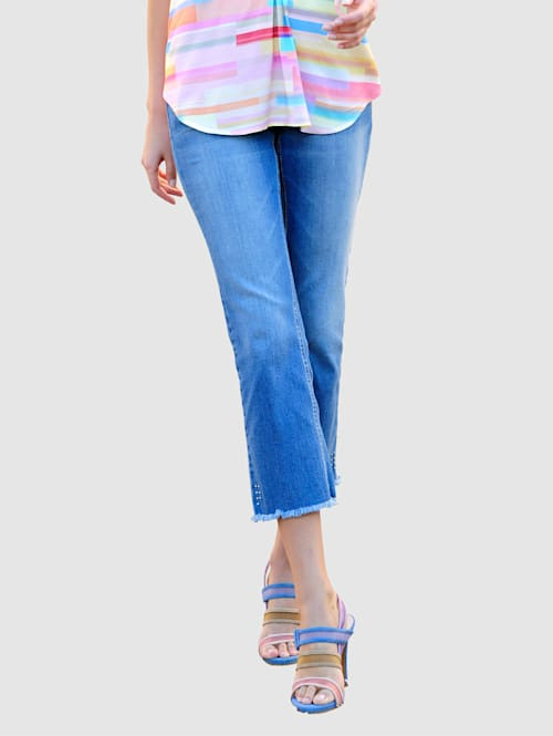 Jeans mit Nieten-Details