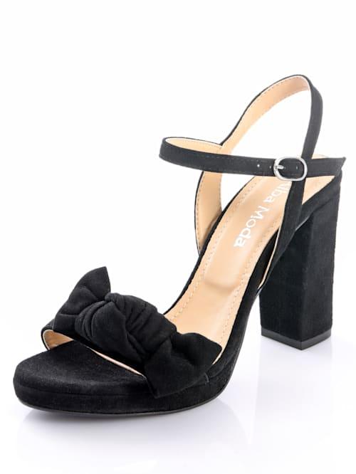 Sandaaltje van geitensuède