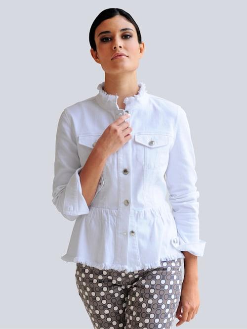 Džínsová bunda so strapcovým vypracovaním okrajov