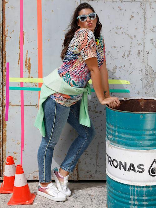 Jeans med neonfarget passepoil