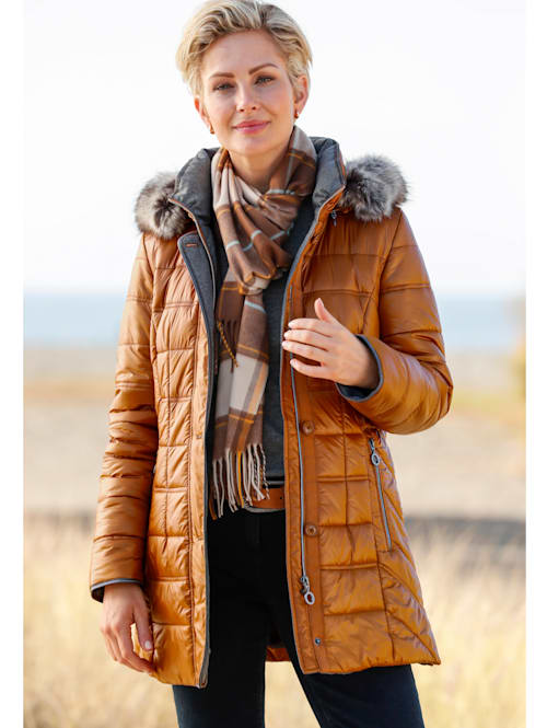 Quilted jacket with an elegant sheen
