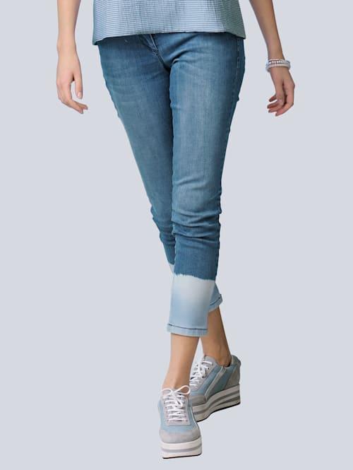 Jeans mit modischem Batikeffekt