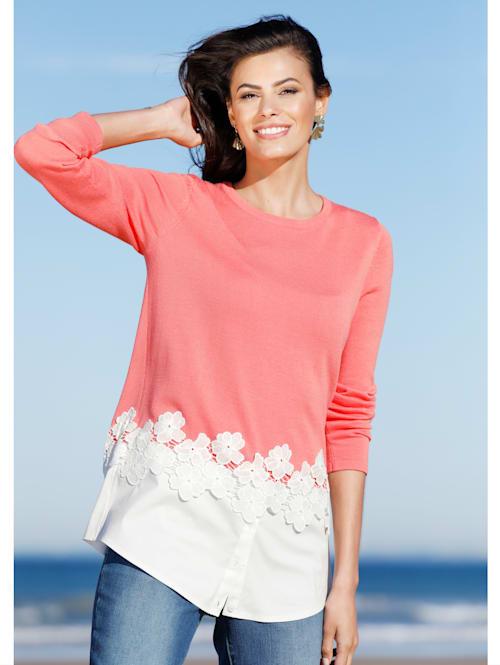 Pullover mit Blusenabschluss