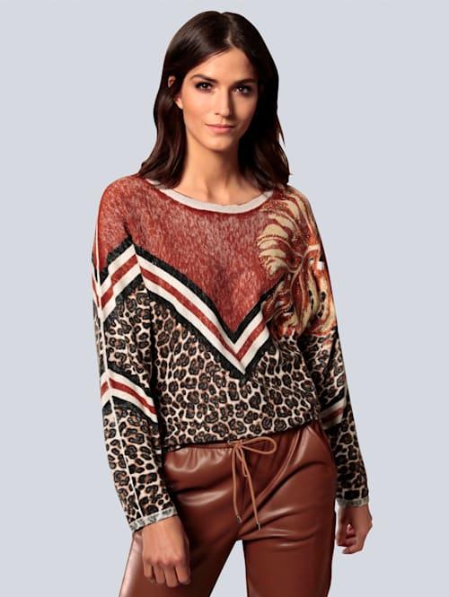 Pullover mit Hotfix-Steinen besetzt