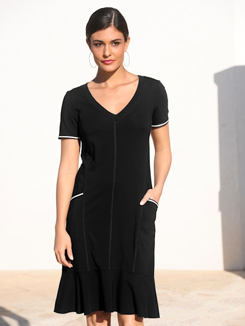 Jerseykleid mit kontrastfarbigen Paspelierungen