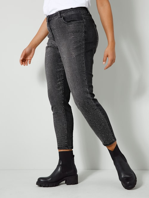 Jeans vorne mit glitzernden Bügelnieten