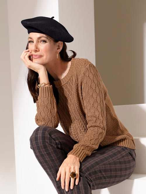Jumper in a mixed knitted finish