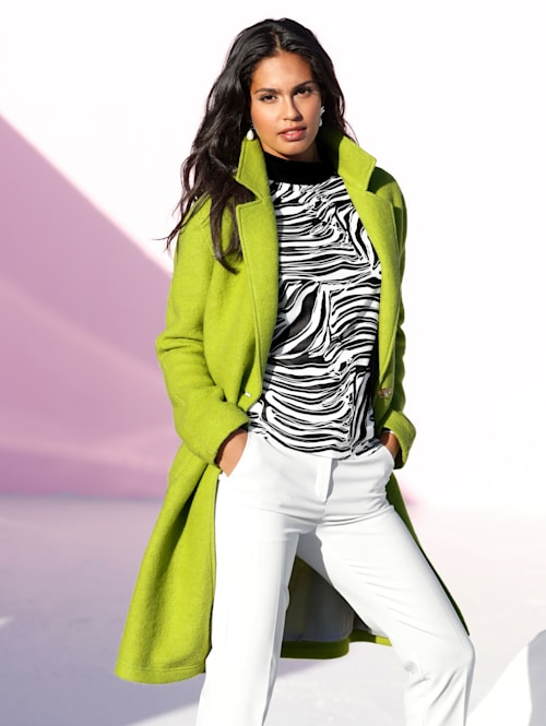 Mantel in knalliger Neonfarbe