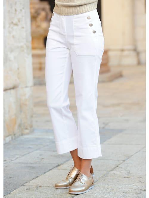 Jeans met sierknopen