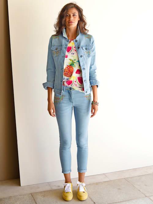 Jeans mit bunter Stickerei