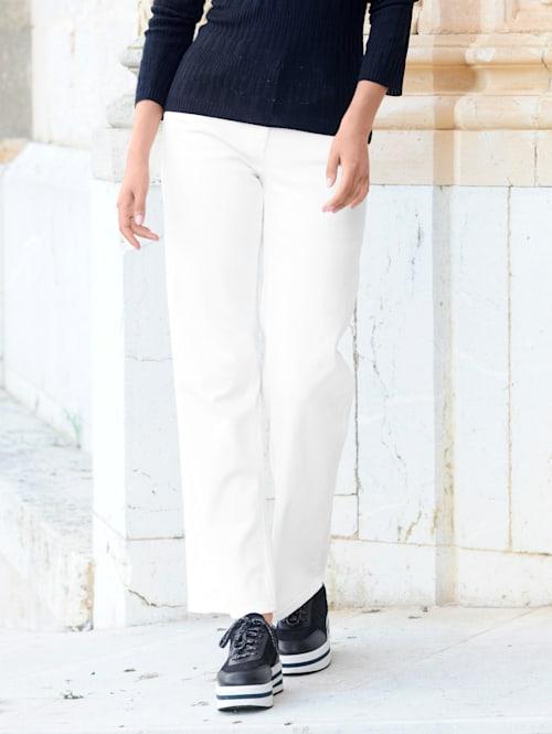 Jeans med trendigt vida ben