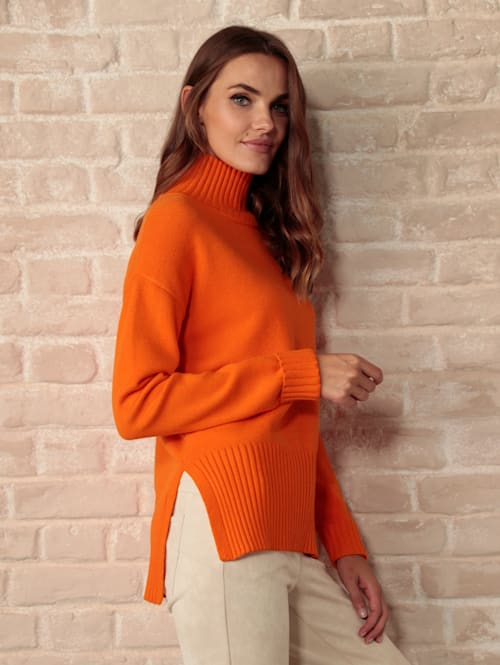 Pullover mit längerem Rückenteil