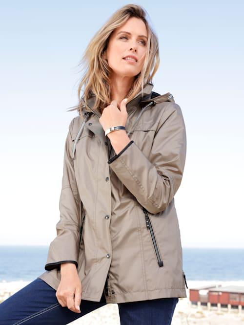 Jacke mit seitlichen Saum-Reißverschlüssen
