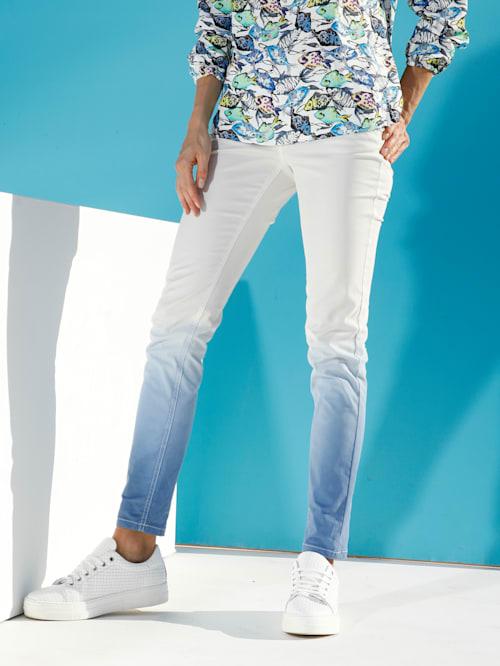 Džínsy v prelive farieb