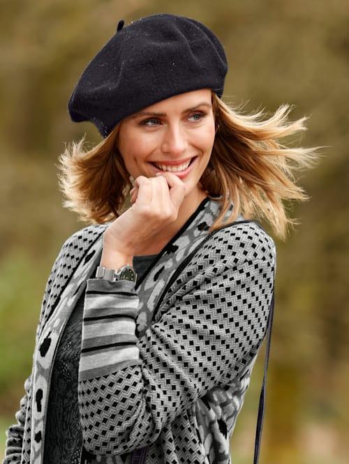 Baske aus reiner Wolle