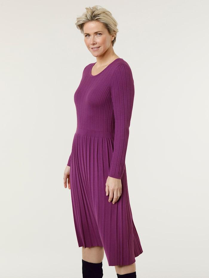 Gebreide jurk met colsjaal
