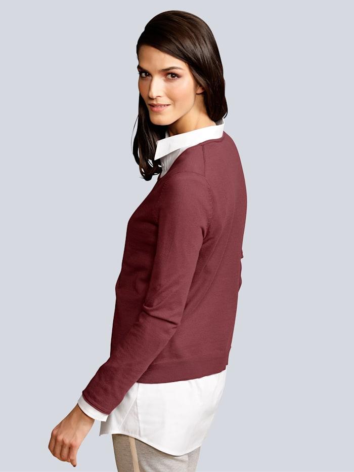 Pullover mit leicht vorverlegter Seitennaht