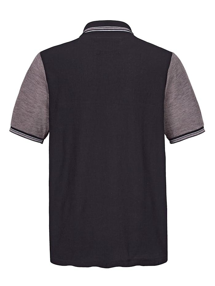 Poloshirt mit kontrastfarbenen Einsätzen im Vorderteil