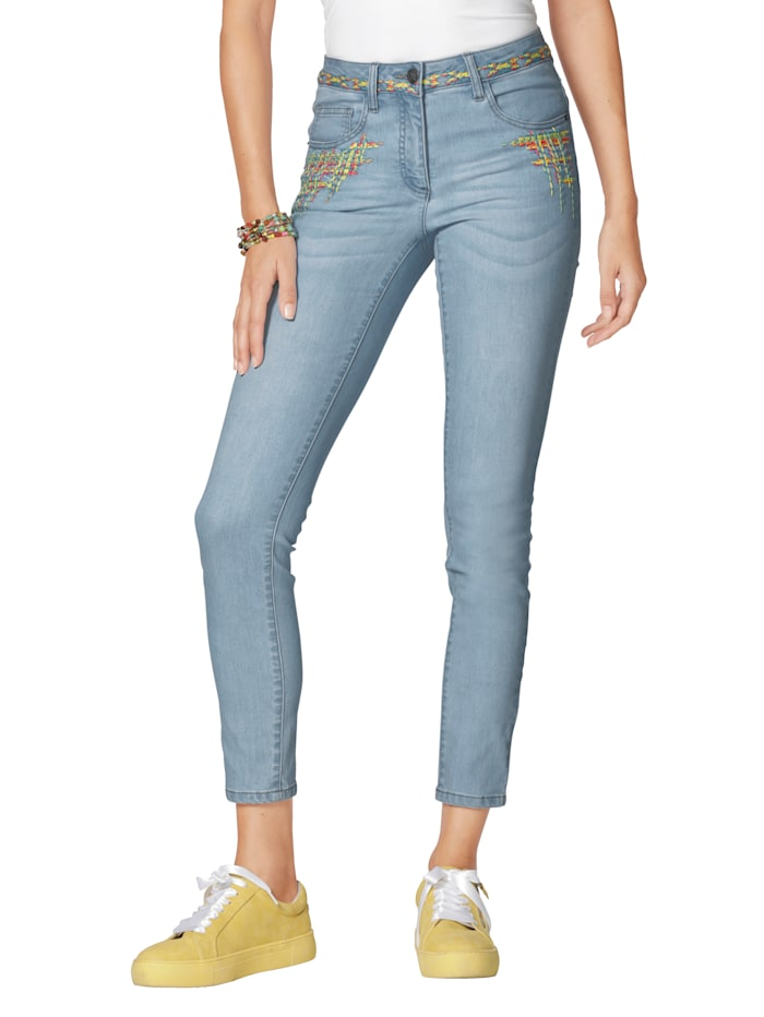Jeans mit bunter Stickerei