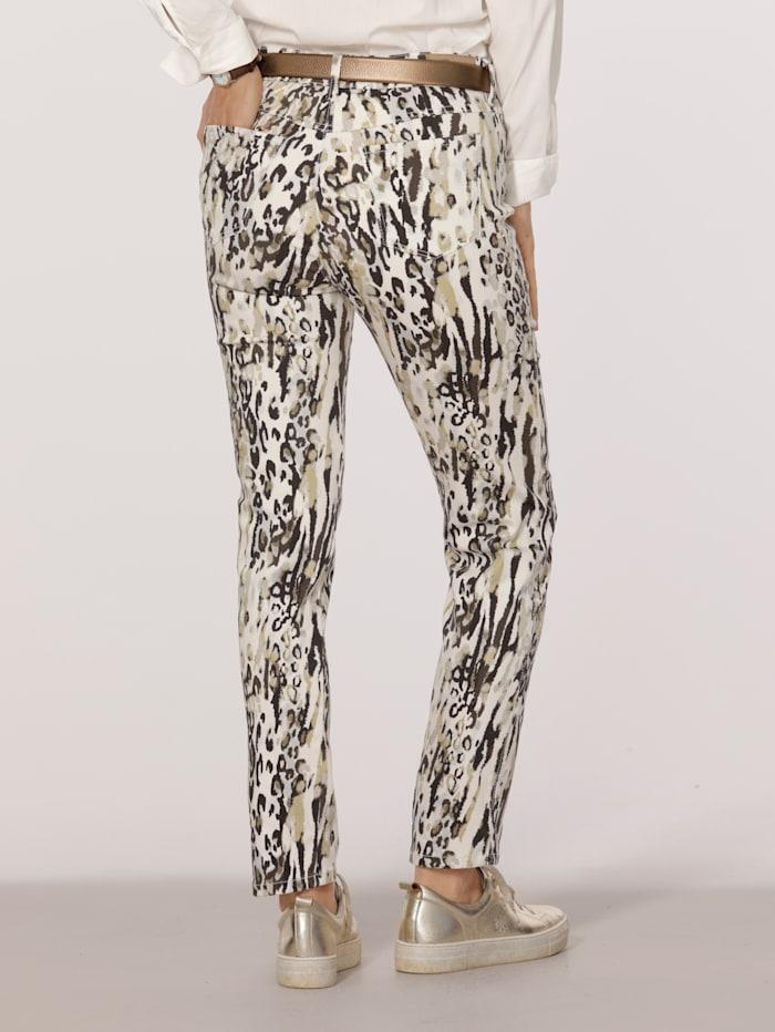 Pantalon de coupe raccourcie
