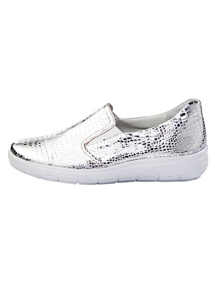 Slip-on shoes with shock absorbing sole