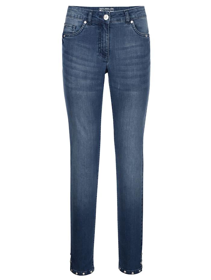 Jeans met sierklinknageltjes