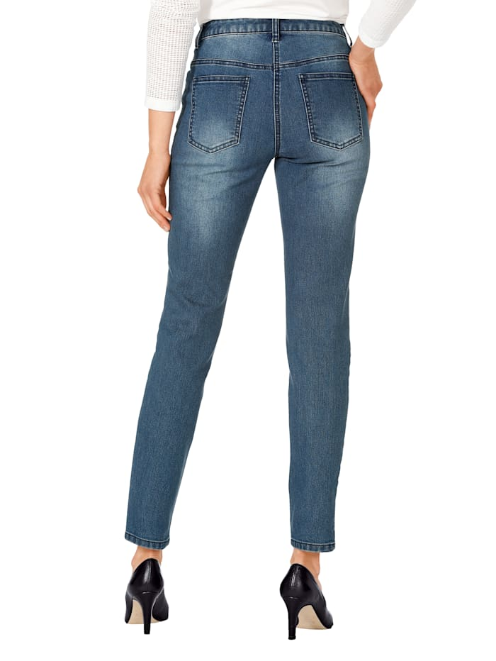 Jeans met strassteentjes en kant