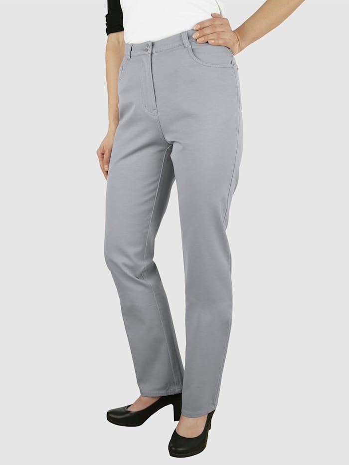 Jeans i extrakorta storlekar