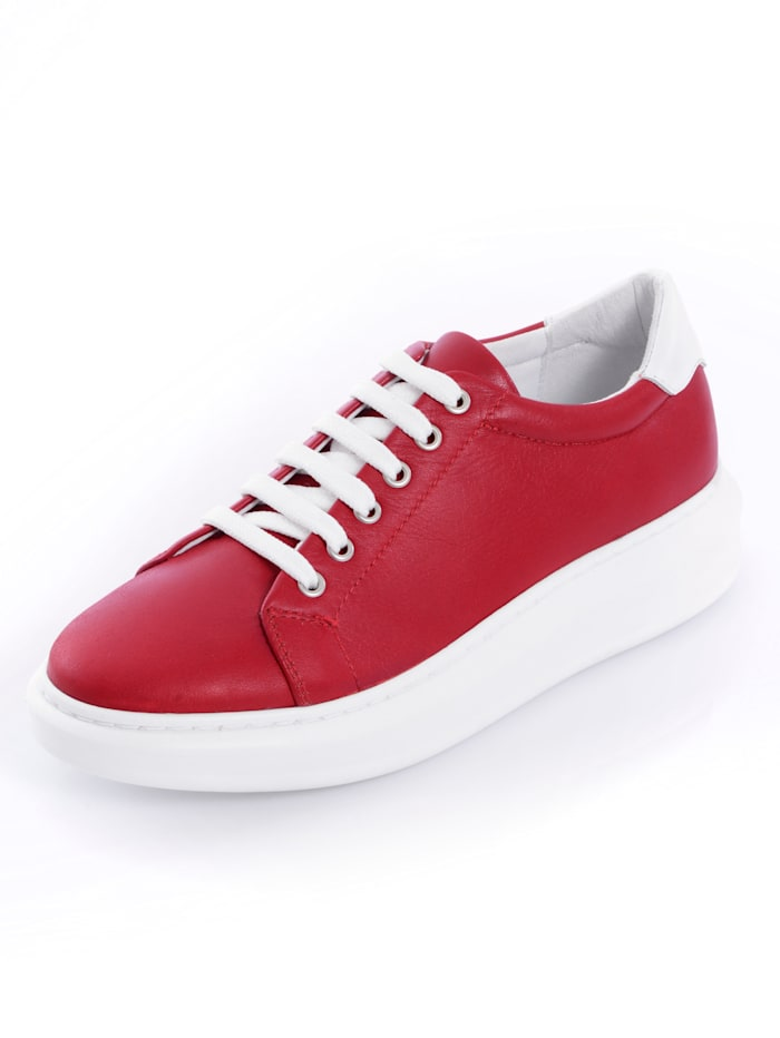 Sneaker in cleaner neuinterpretierter Form
