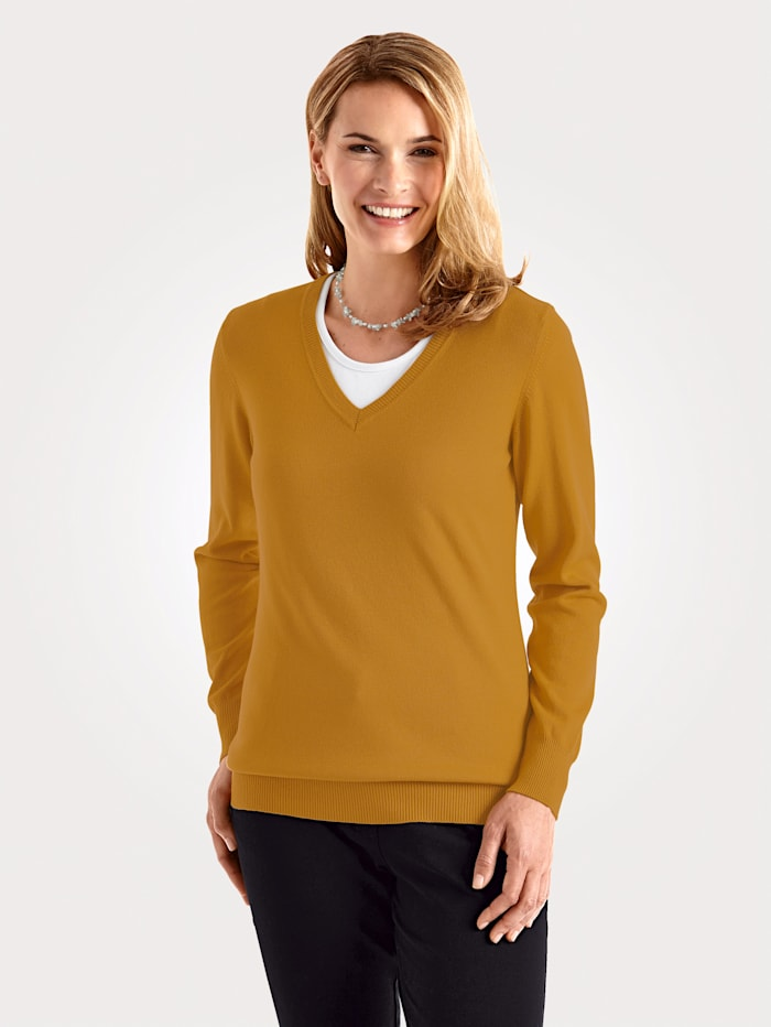 Jumper made from a premium fabric blend