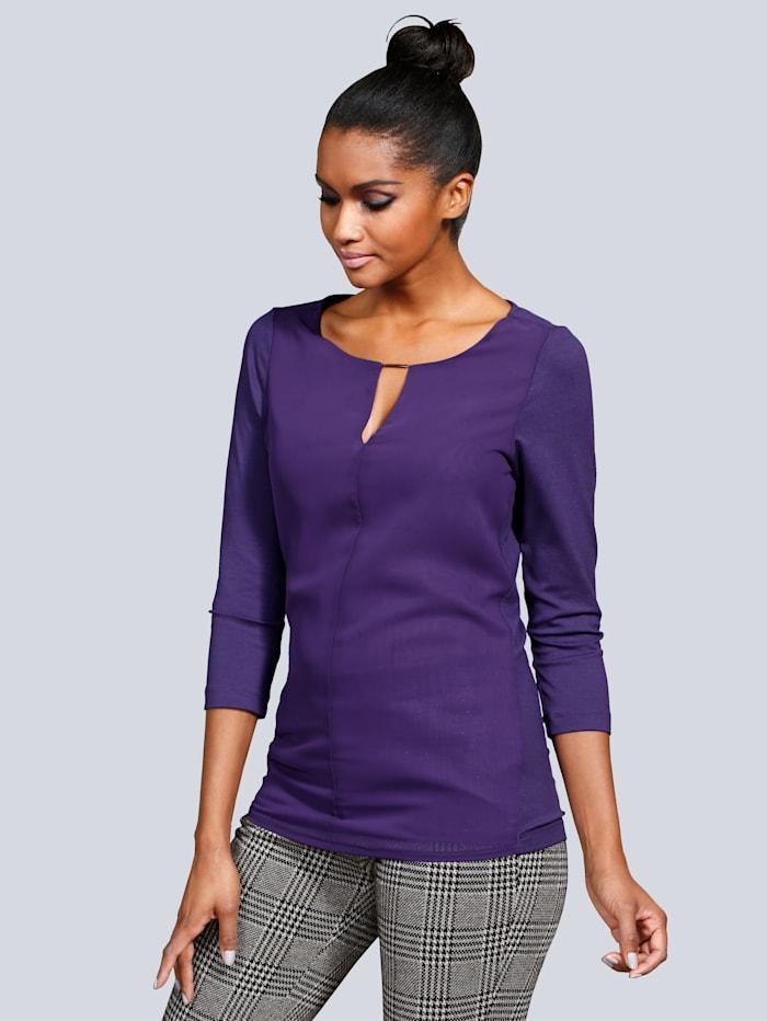 Shirt met klein split en zilverkleurig sierelement
