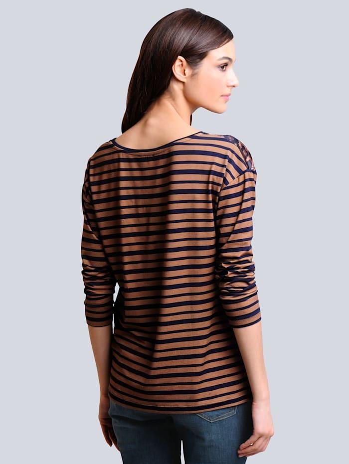 Shirt allover im neu designten Mustermix