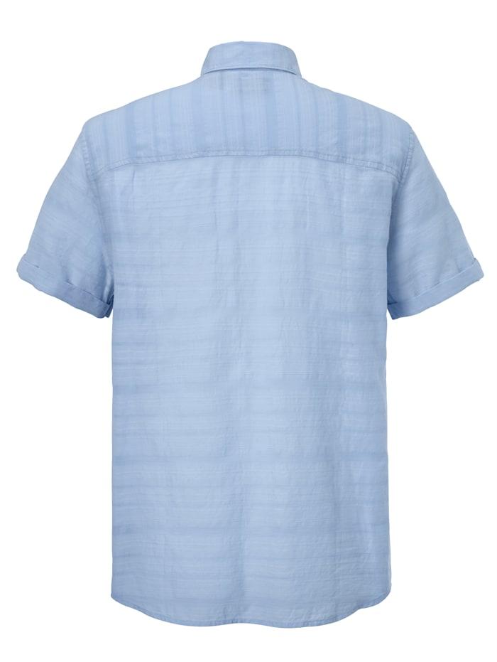 Overhemd van luchtig licht zomermateriaal