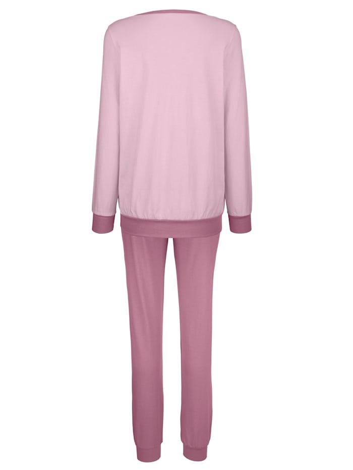 Pyjamas med blommotiv fram