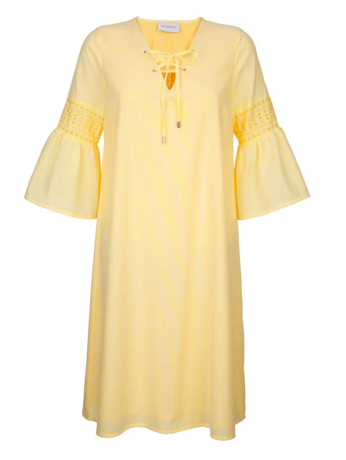 Volankihihainen mekko