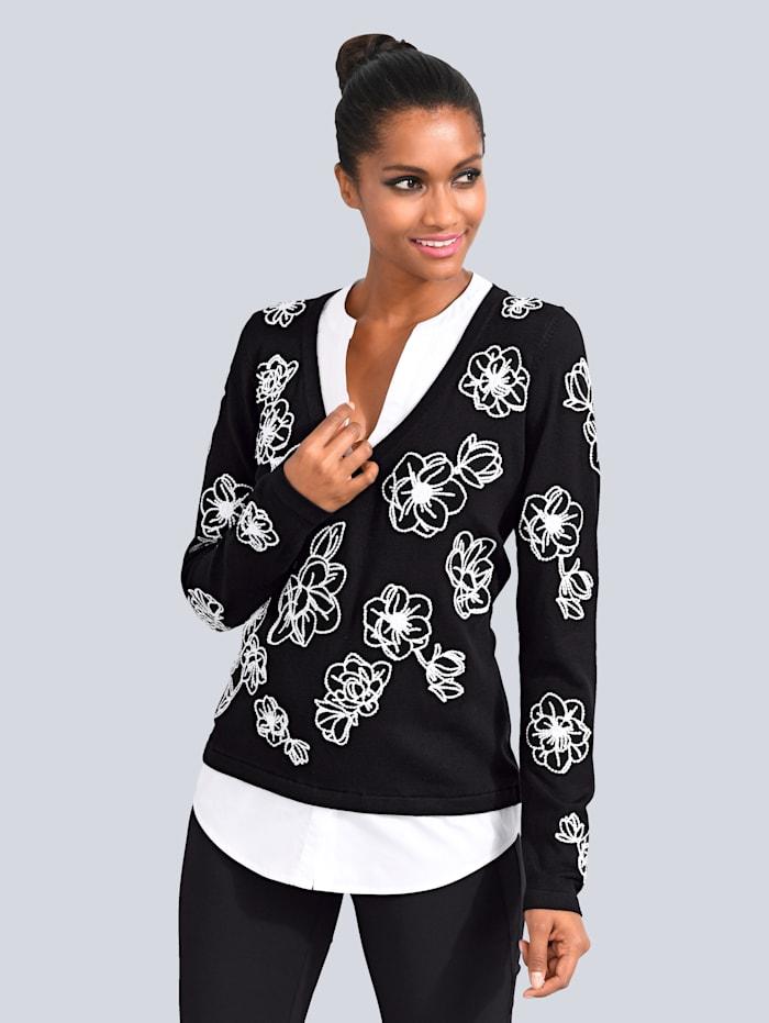 Pullover aufwendig bestickt mit Blüten