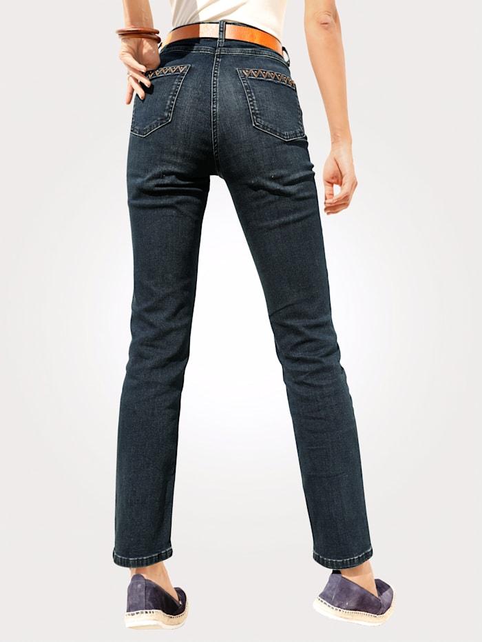 Jeans in rinse wash denim
