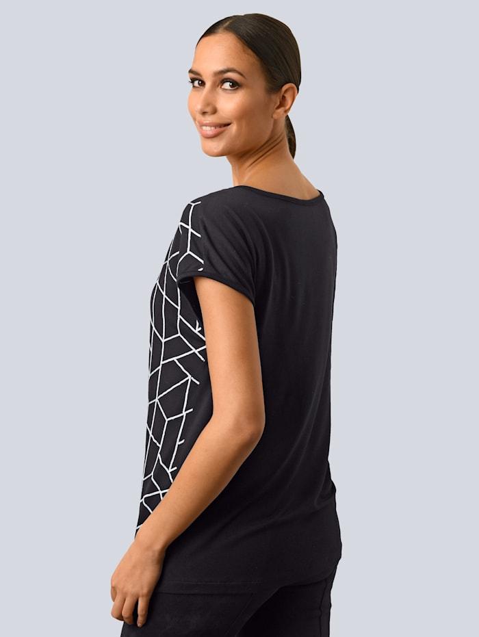 Shirt im Vorderteil mit Pailletten bestickt