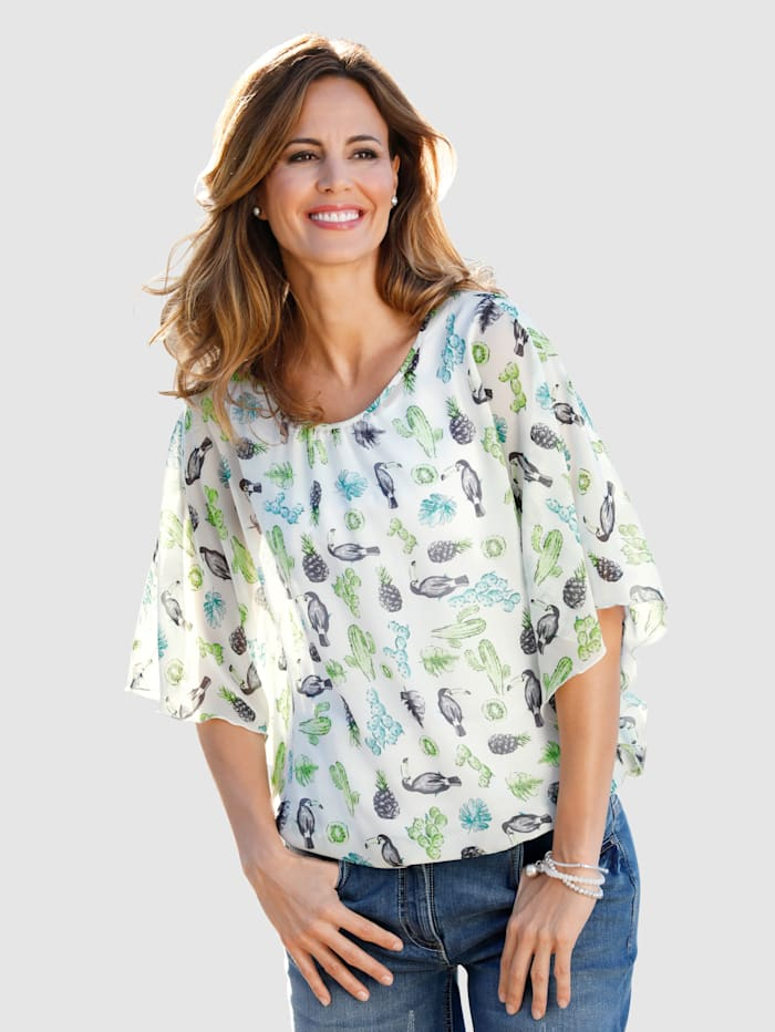 Tunic with flared sleeves