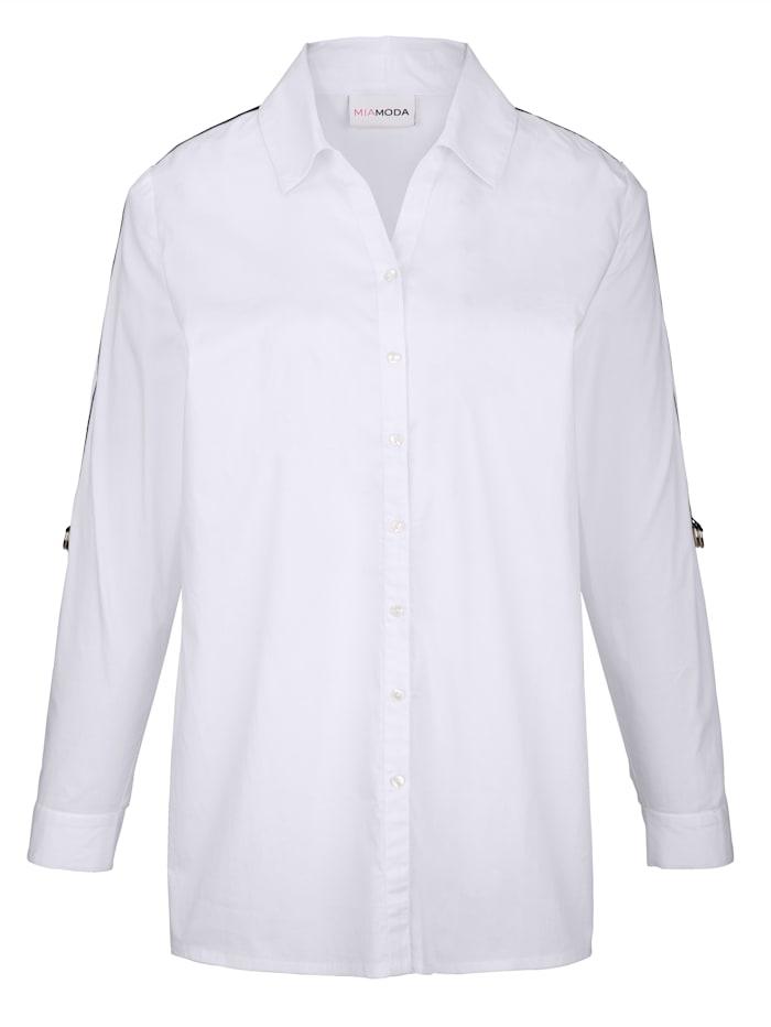 Bluse mit trendigem Dekoband seitlich am Arm