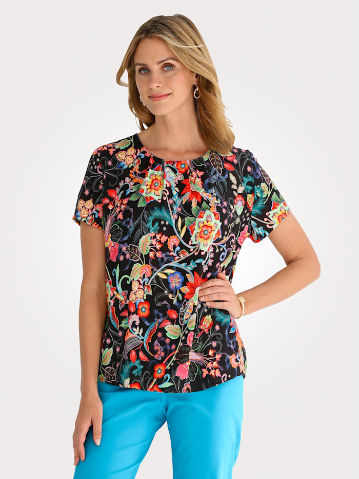 Pull-on blouse in a vibrant print