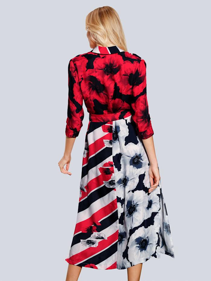 Kleid im farbharmonischem Druck