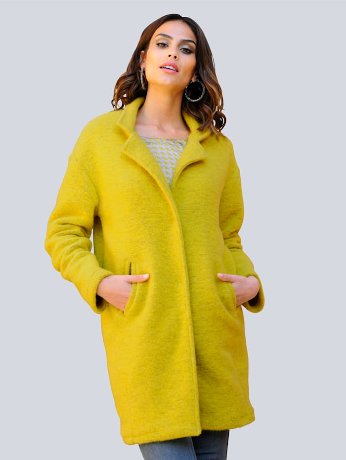 Alba Moda Mantel in trendiger Farbstellung, Limettengrün