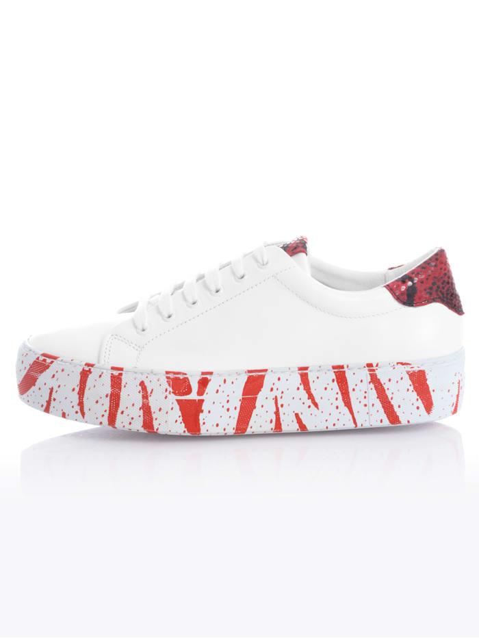 Sneaker met trendy zool