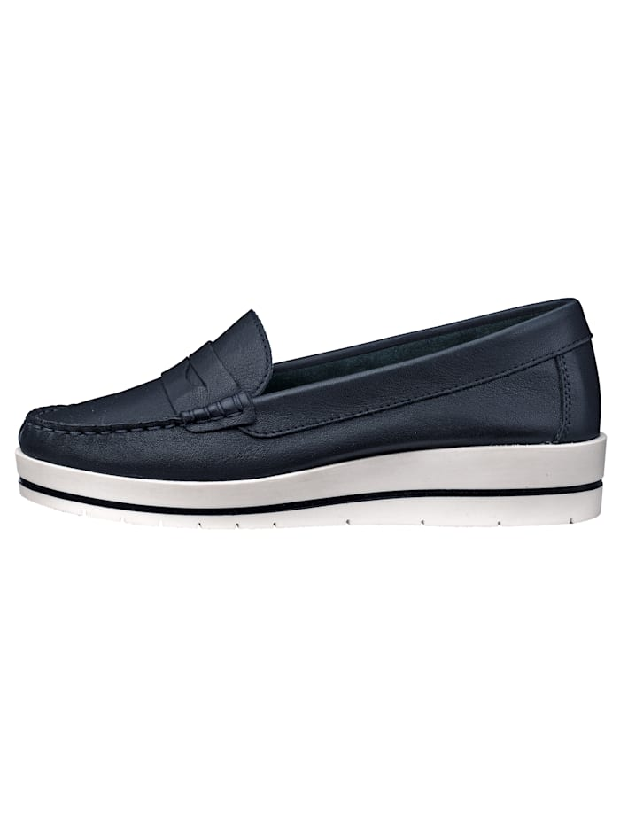 Wedge court shoes in a moccasin style